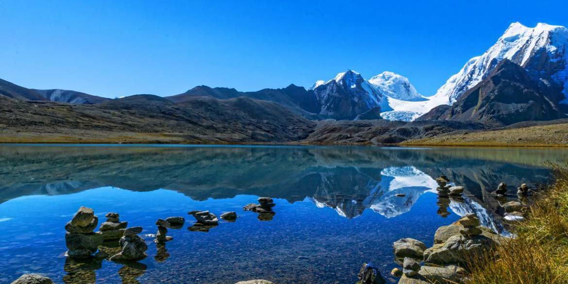 LACHEN - excursion to Chopta Valley & Gurudongmar Lake 65 km / 3 ½ hrs each way