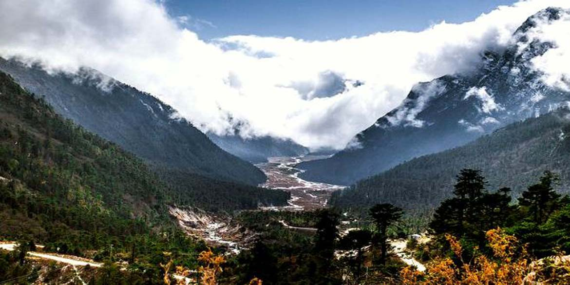 LACHUNG - excursion to Yumthang Valley & Zero Point 42 kms / 2 ½ hrs each way