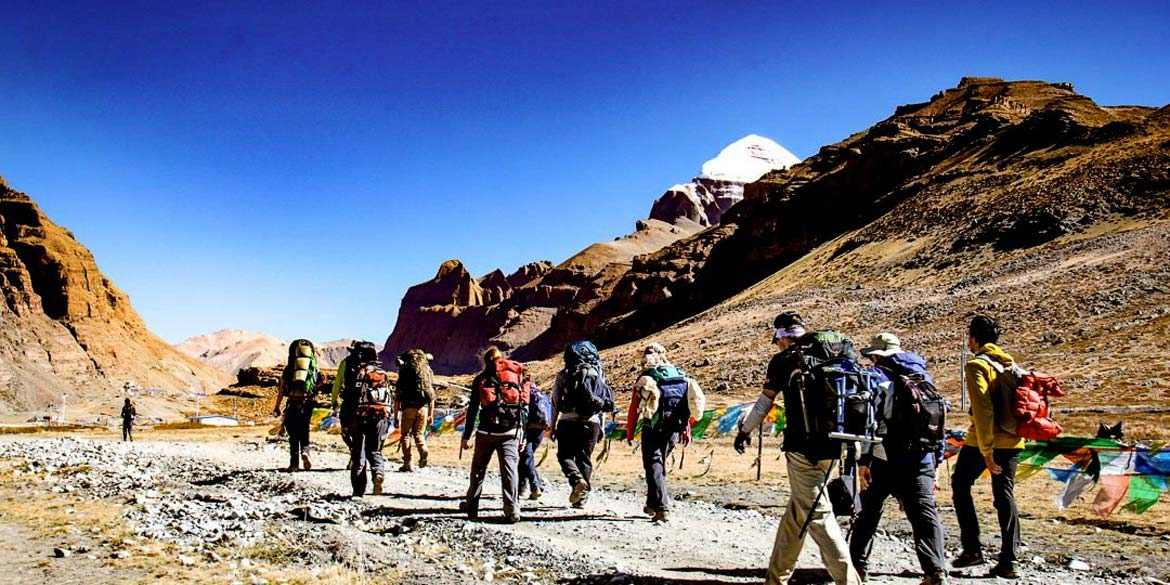 DARCHEN - YAMA DWAR 15 min drive - Start Parikrama to DHIRAPHUK (4820 M) 10 kms / 5-6 hrs trek