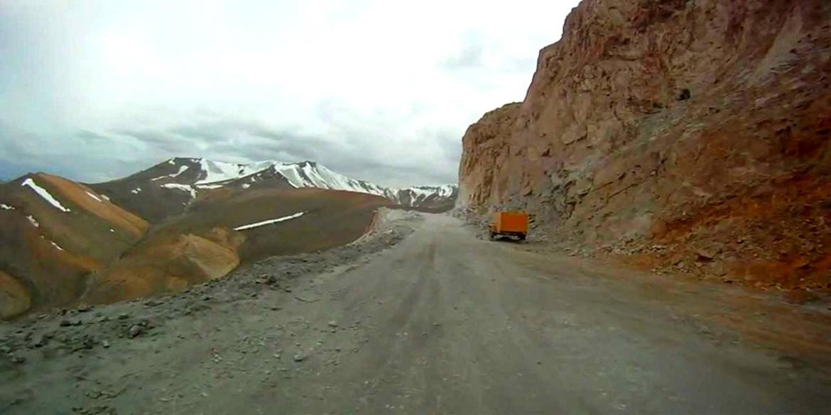 <strong>JISPA - LEH </strong>(3505 m / 11500 ft) 310 km / 10 hrs