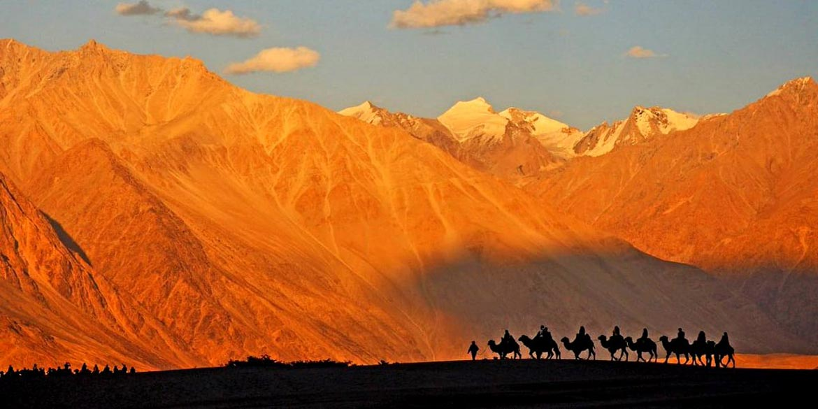 <strong>Turtuk - Nubra Valley at HUNDER </strong>83 kms / 2 ½ hrs